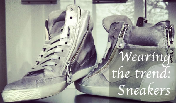 How to wear sneakers over 40