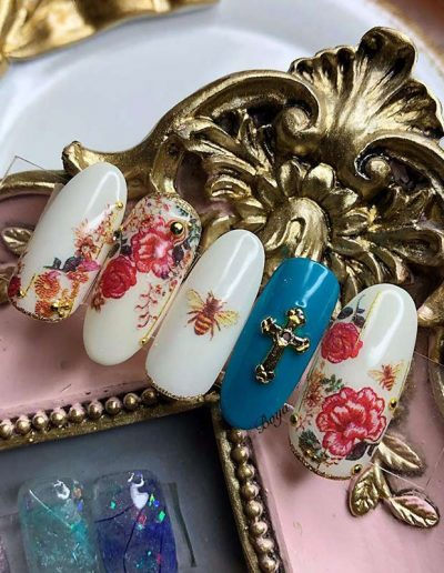 Nail art and gel nails - advantages and disadvantages | 40plusstyle.com