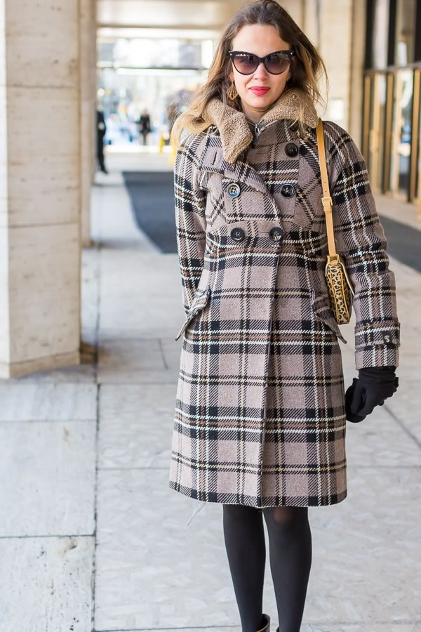 elegant coat | 11 best streetstyle looks by women over 40 featuring prints | 40PlusStyle.com