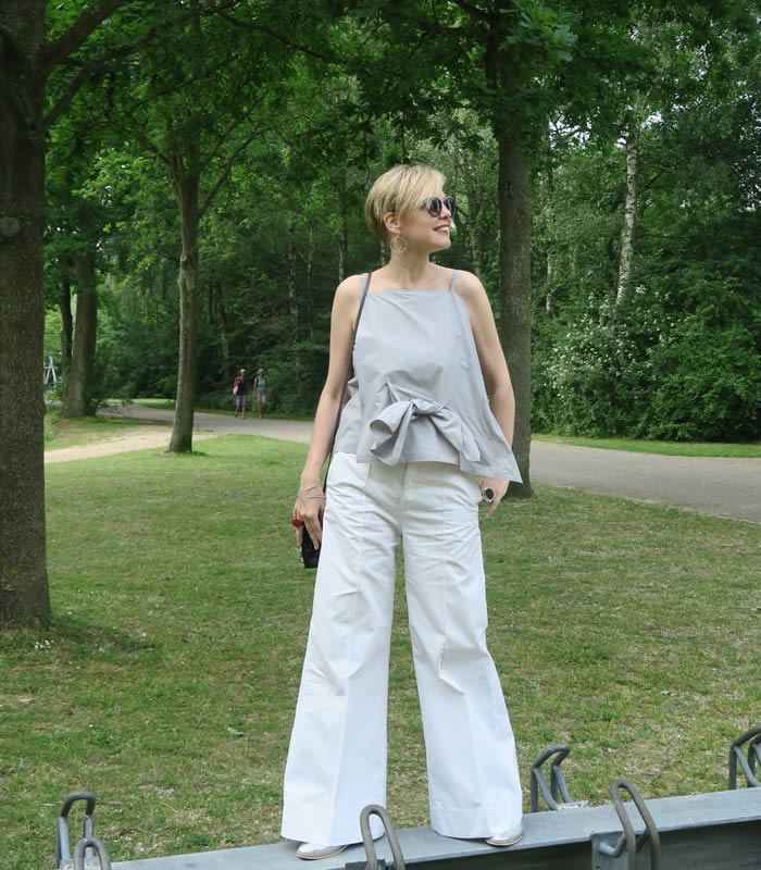 bb12ac5723 How to wear wide legged pants
