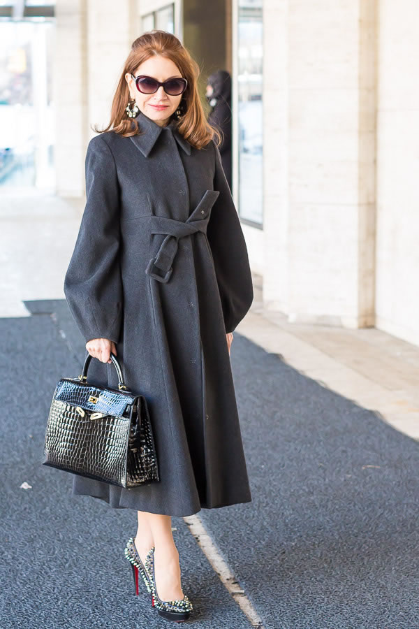 How to choose a coat - gray belted coat | 40plusstyle.com
