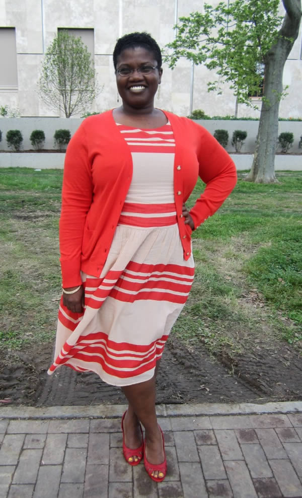 How to dress for the curvy body type - Georgette   40PlusStyle.com