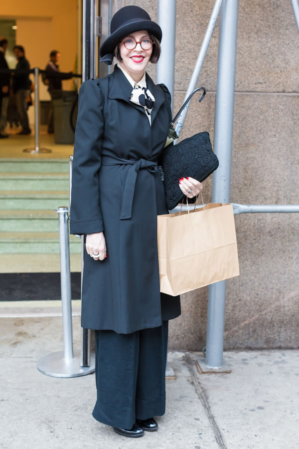 Looking very chic at the Manhattan Vintage show in New York | 40plusstyle.com