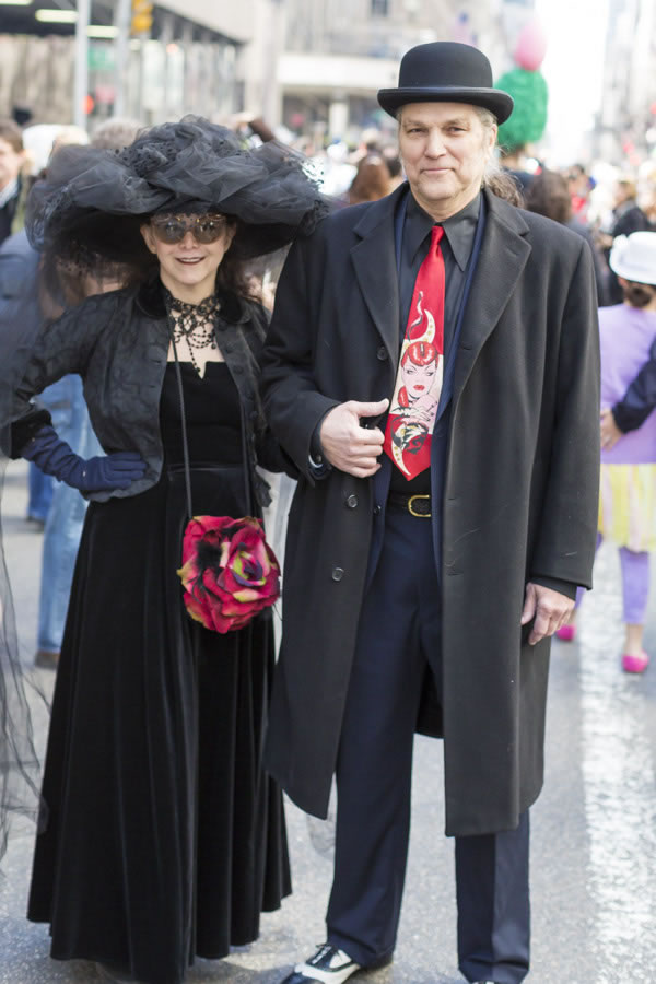 Going all black with red accents at New York Easter Parade | 40plusstyle.com