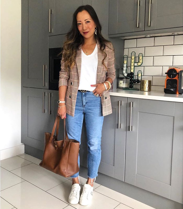 How to wear jeans with a jacket or cardigan