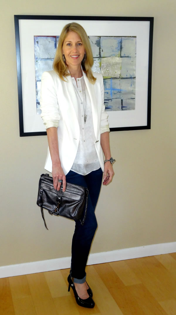 Looking very chic with skinny jeans and a white blazer | 40plusstyle.com