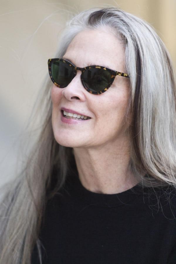 Long sleek silver hair | 40plusstyle.com