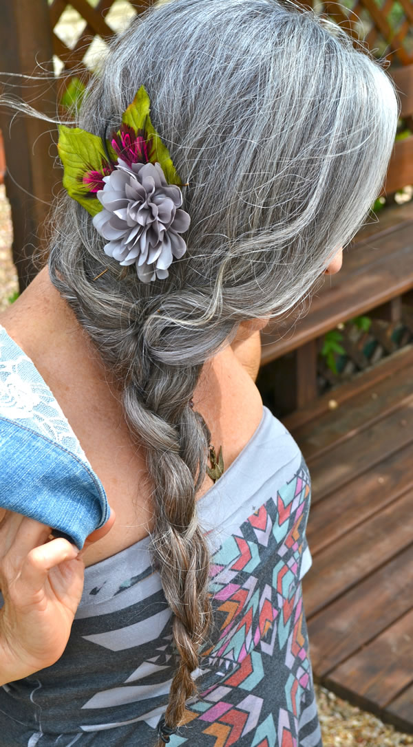 Even more women sporting fabulous long silver hair!