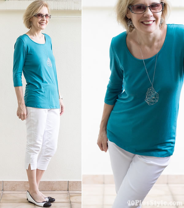 Teal and white outfit | 40plusstyle.com
