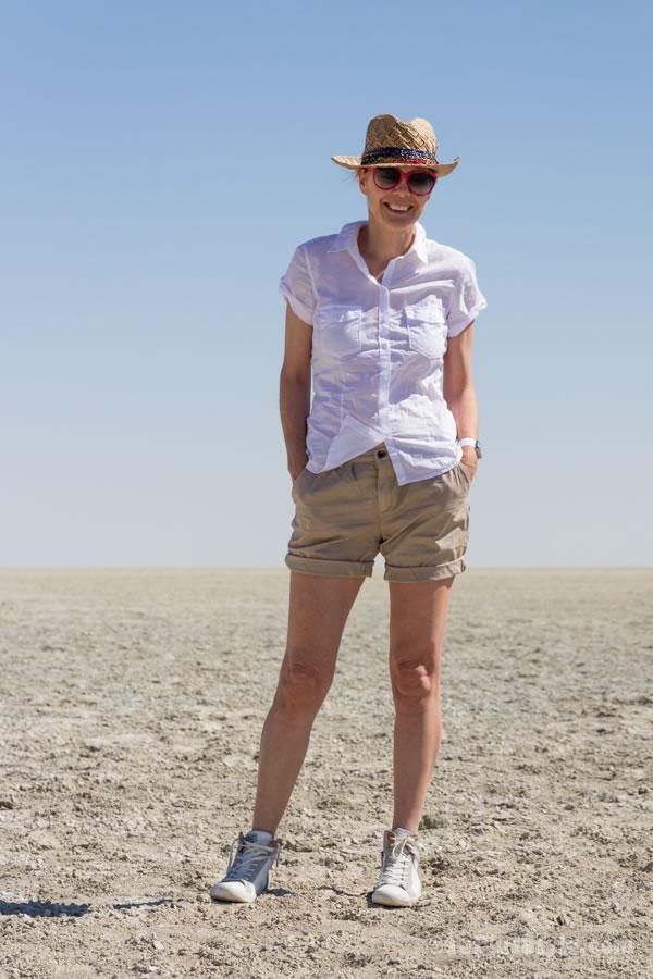 Safari outfit | 40plusstyle.com