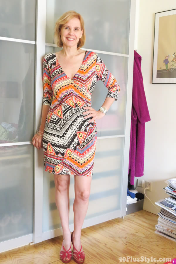 wearing a graphical printed dress | 40plusstyle.com