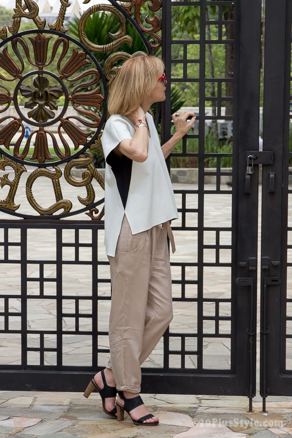 Combining fluid pants with a structured top | 40plusstyle.com