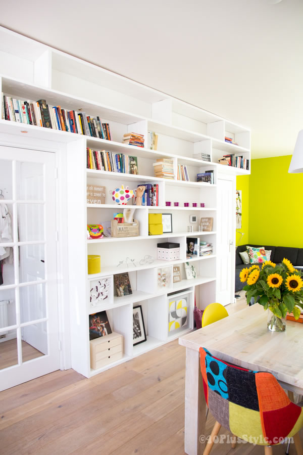 Colorful house interior with lime green wall | 40plusstyle.com