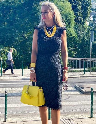 How to transform your outfits with statement jewelry | 40plusstyle.com