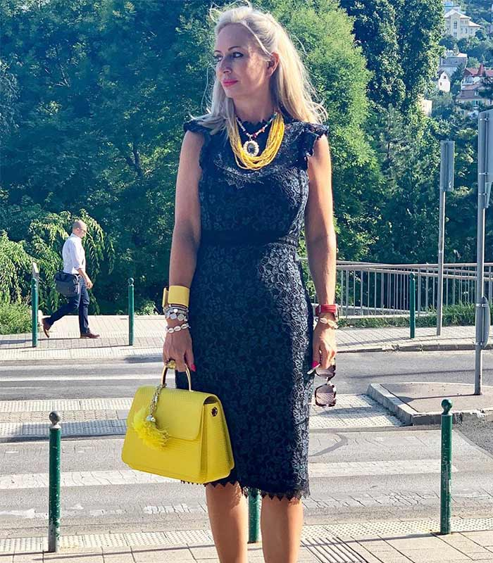 How to transform your outfits with statement jewelry
