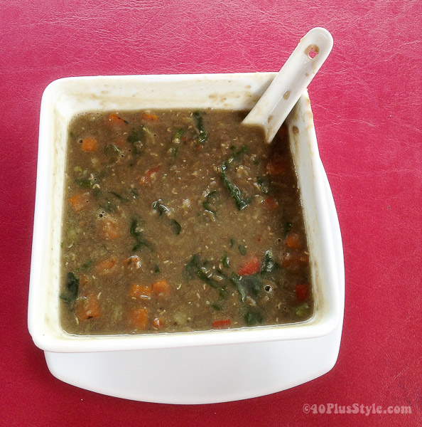 Delicious lentil soup | 40plusstyle.com