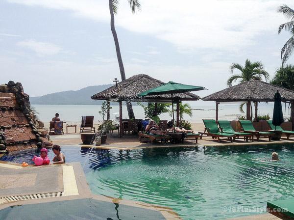 Atmanjai detox retreat Thailand   40plusstyle.com