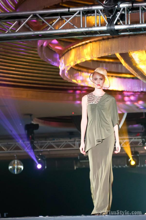 dress by Ashley Isham | 40plusstyle.com