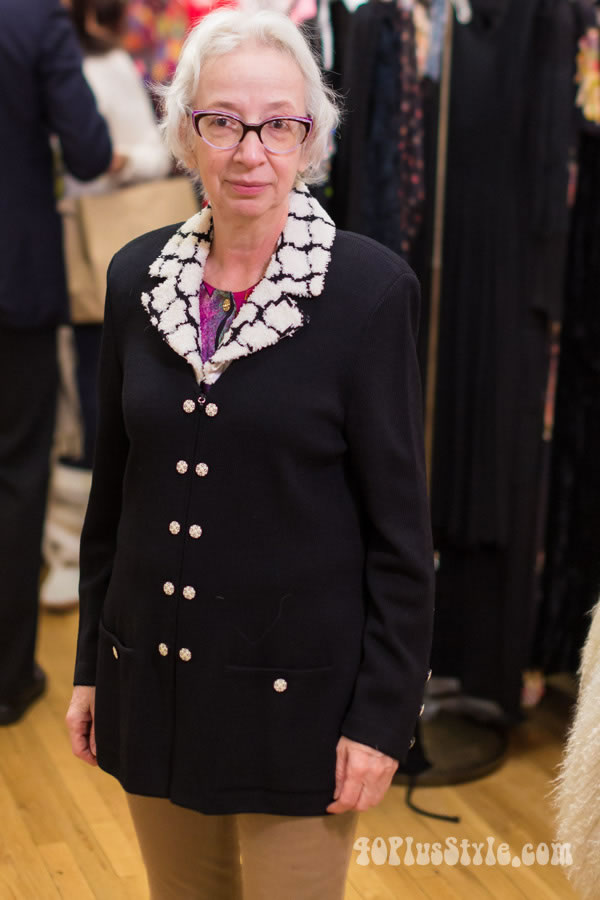 Teresa at the Manhattan vintage show New York | 40plusstyle.com