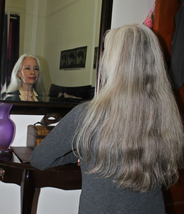 Sunday Inspiration: Beautiful Long Gray Hair
