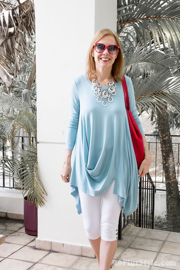 mint tunic with leggings and red accessories | 40plusstyle.com