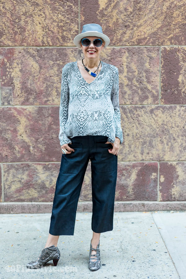 how to wear wide leg cropped jeans
