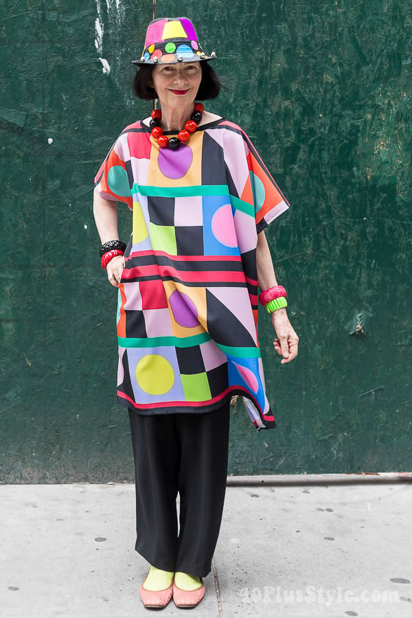Playing with color and graphical style - A style interview with Carol Markel | 40plusstyle.com