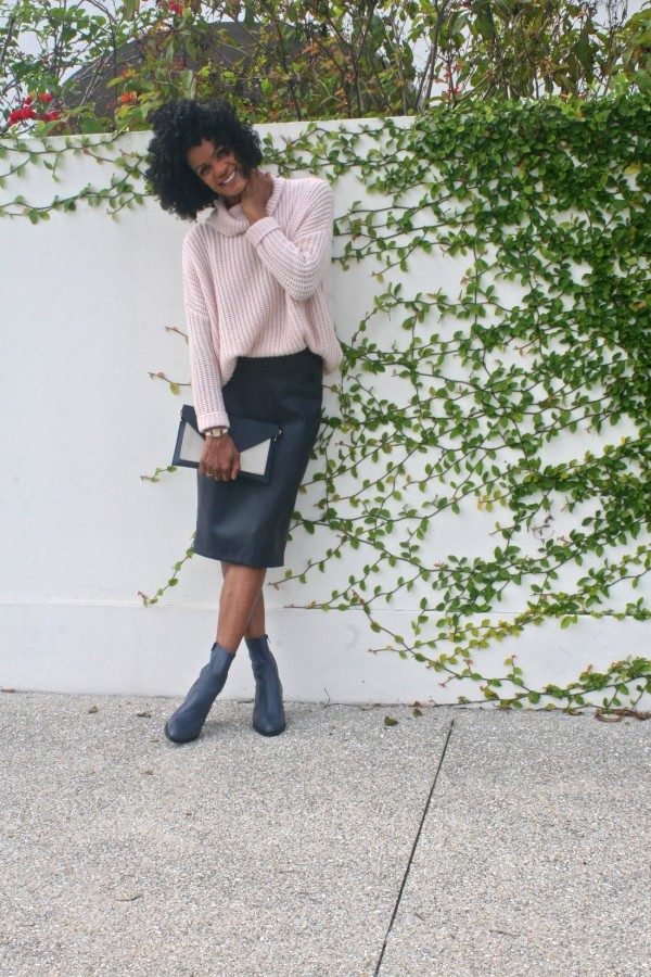 Diana Capozzi-Oversized Sweater| 40plusstyle.com