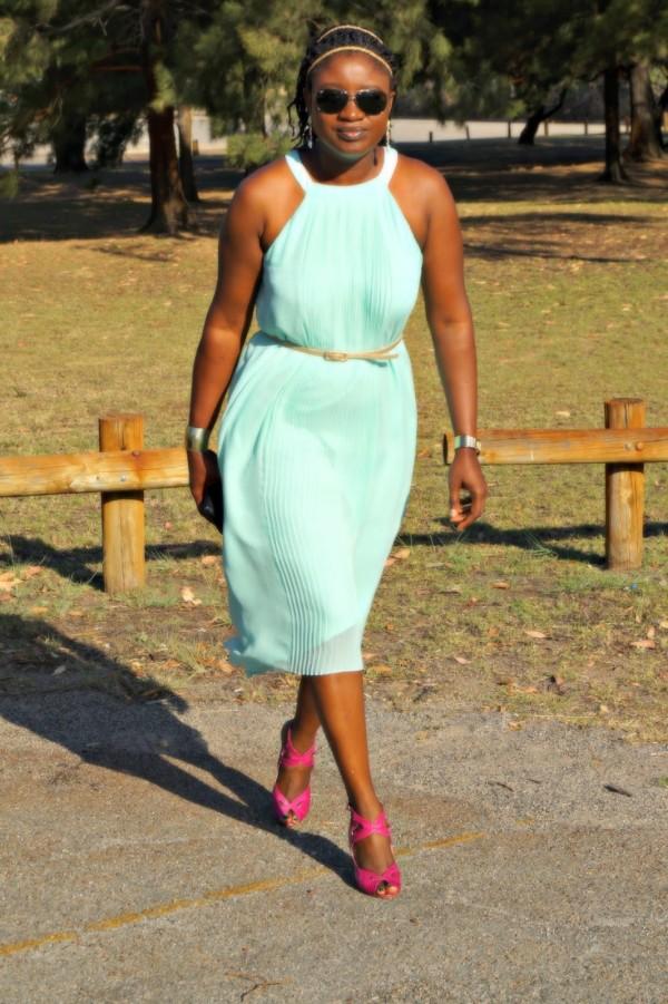 Blue Dress Pink Heels | 40plusstyle.com