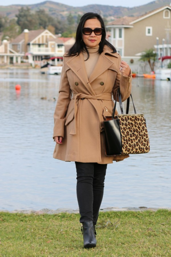 camel coat black skinny jeans | 40plusstyle.com