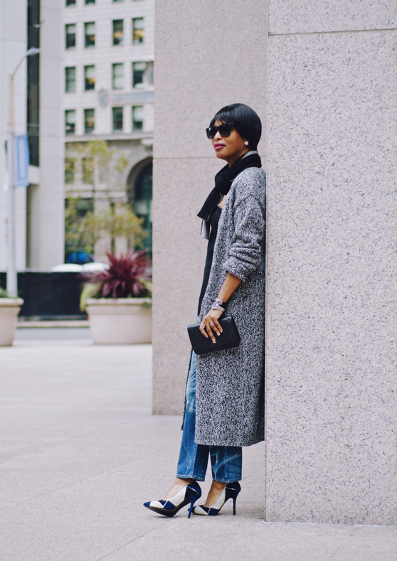 gray duster jacket black scarf jeans | 40plusstyle.com