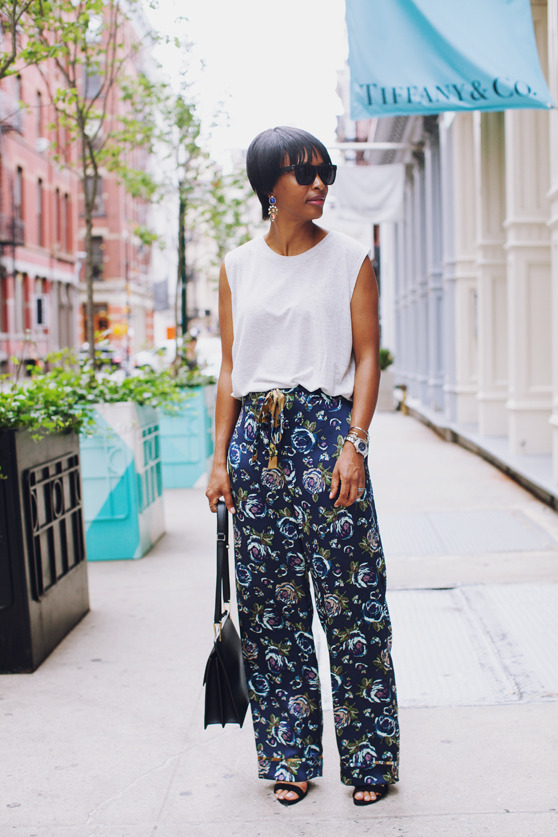 print loose pants | 40plusstyle.com