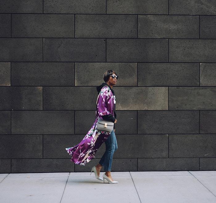 Kim wearing a floral kimono | 40plusstyle.com