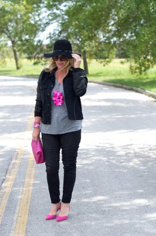 pink pumps statement necklace black on black | 40plusstyle.com