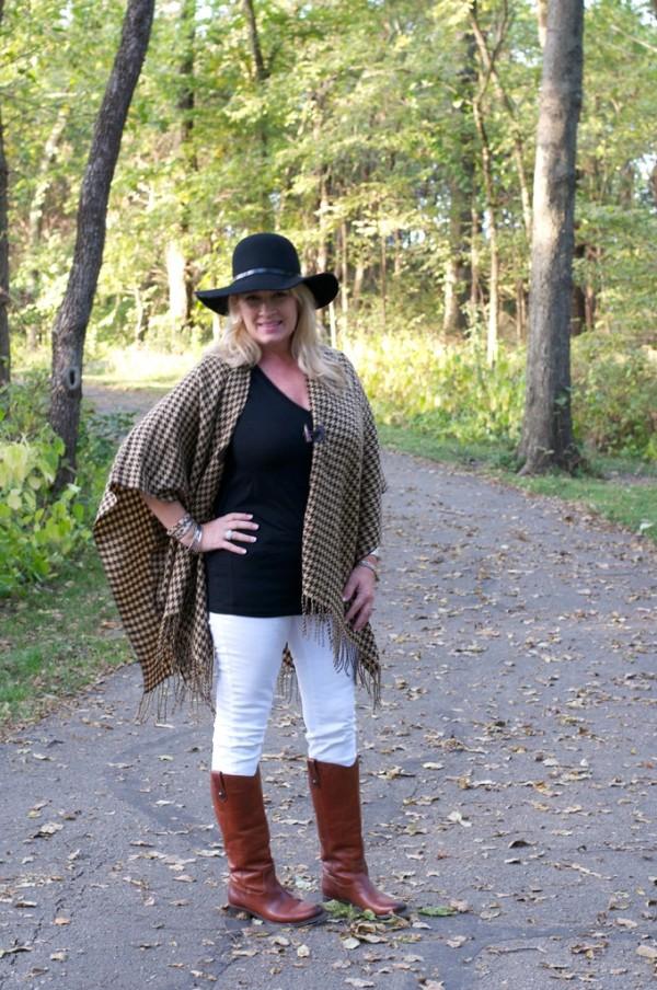 poncho hat white pants falll looks | 40plusstyle.com