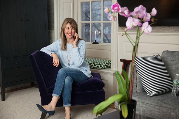 Light blue sweaterSusan Kanoff | 40pusstyle.com