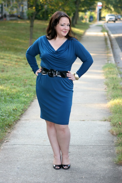 flattering dress for 40 year old women   40plusstyle.com