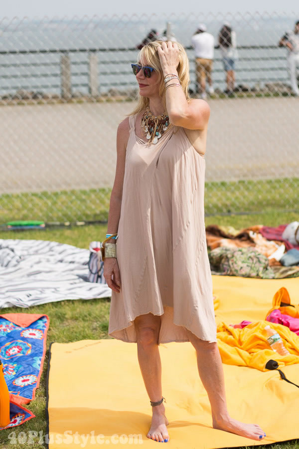 Style inspiration: Neutral dress matched with accessories | 40plusstyle.com