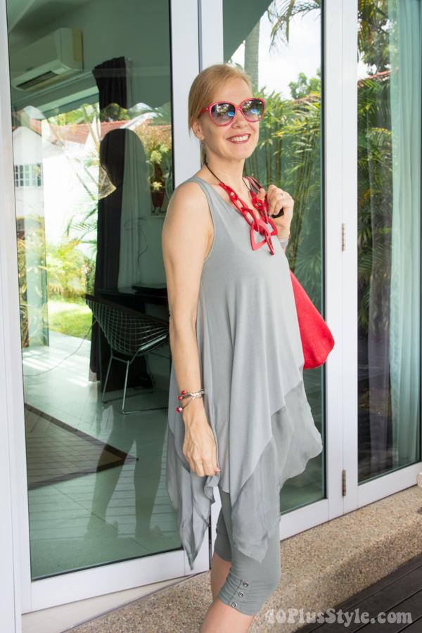 Ideas on how to wear capri leggings | 40plusstyle.com