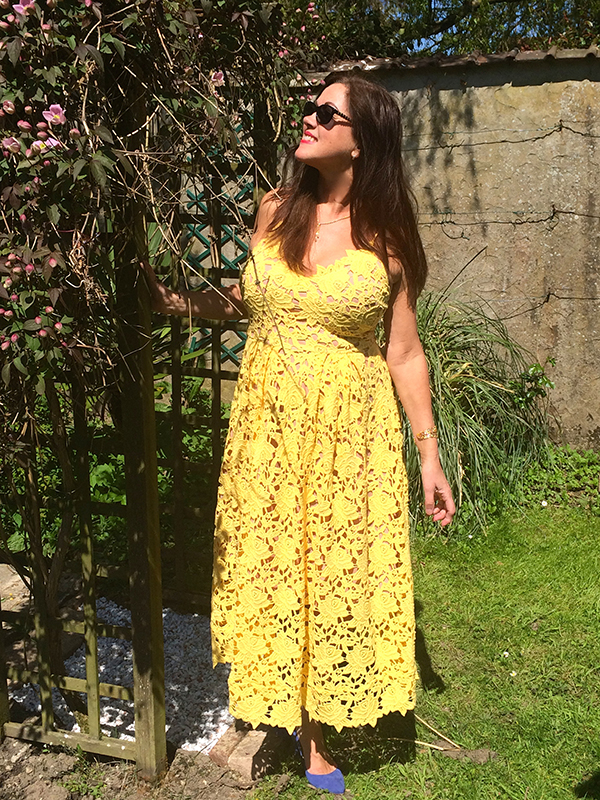 Yellow sun dress | 40plusstyle.com