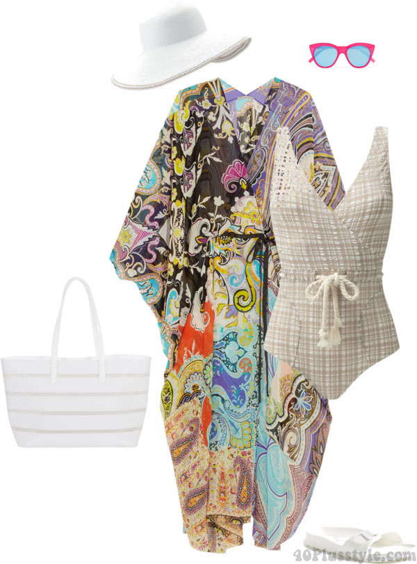 Outfit ideas on how to wear a kaftan at the beach | 40plusstyle.com