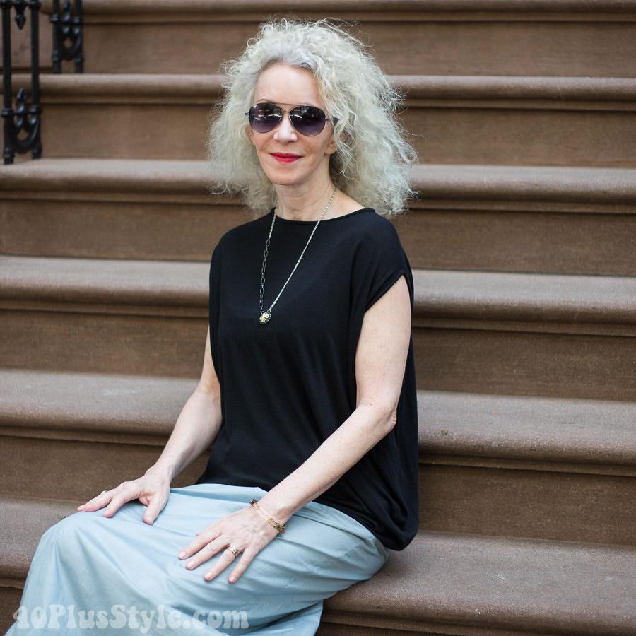 Patti in black & white | 40plusstyle.com