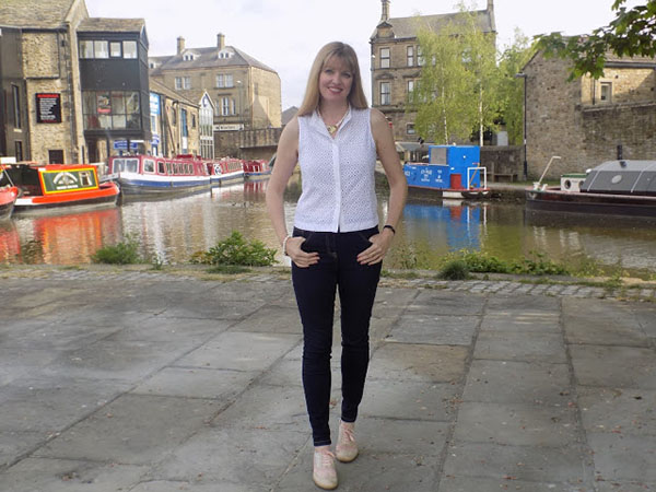 Simple white top and jeans | 40plusstyle.com