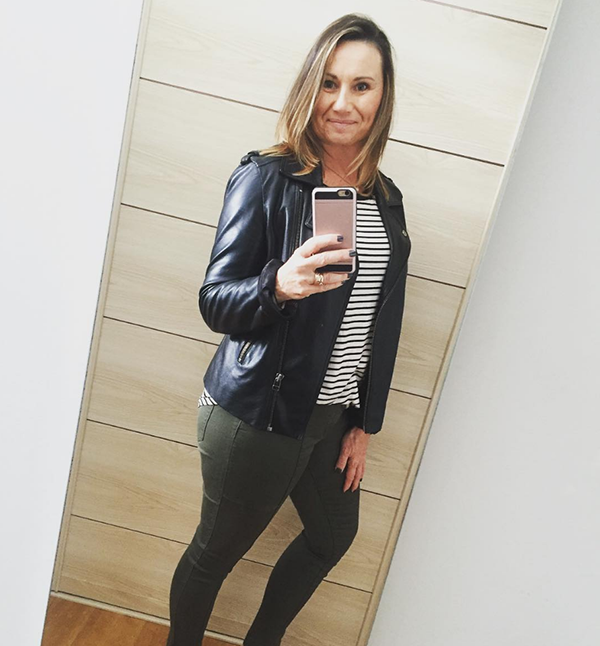 #40plusstyle inspiration: stylish green pants paired with a black leather jacket | 40plusstyle.com