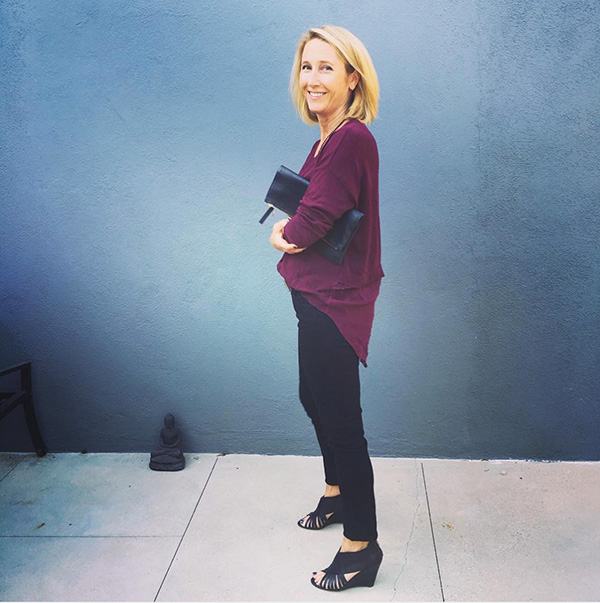 #40plusstyle inspiration: a simple yet elegant black outfit | 40plusstyle.com