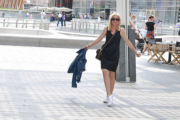 Casual style idea for every day wear: A black dress with a denim jacket | 40plusstyle.com