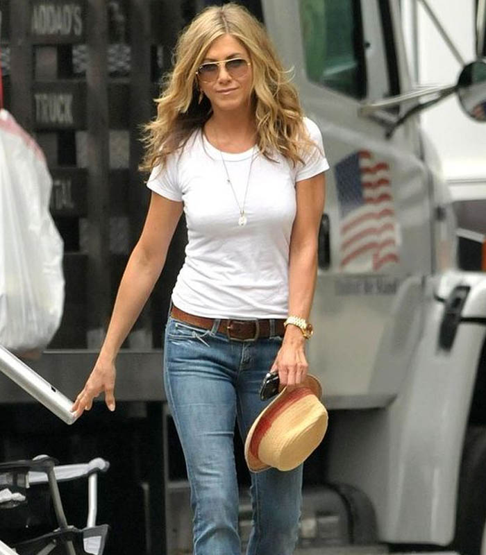 a2eb599c7032f How to dress like Jennifer Aniston