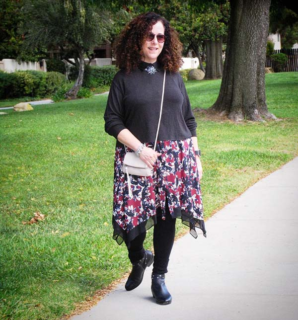 #40plusstyle Inspiration: leggings with a skirt | 40plusstyle.com