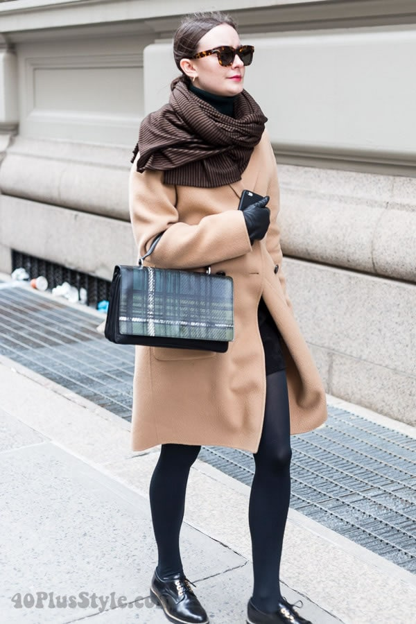 Streetstyle inspiration: wearing camel | 40plusstyle.com