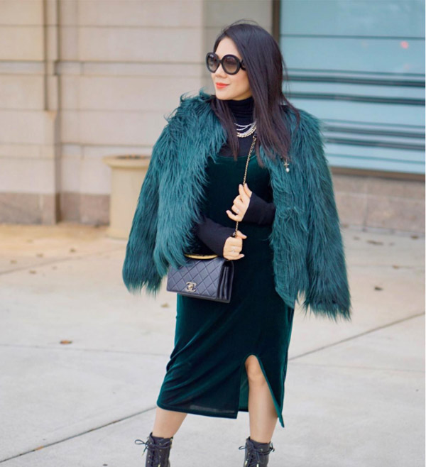 Ideas on how to wear the color of the year: green | 40plusstyle.com